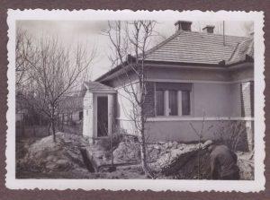 Imre Dávid nagyszüleinek háza, az 1940-es években. Gárdony, Reviczky utca