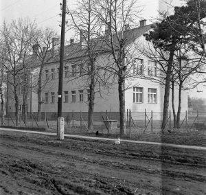 Gárdonyi Géza Általános Iskola, az 1960-as években készült.