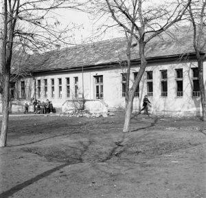 Gárdonyi református iskola a Bóné Kálmán utcában, az 1960-as években.