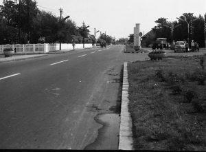 Régi benzinkút a 7-es úton, az 1960-as években. Ma ugyanitt MOL benzinkút üzemel.