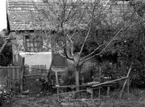 Id. Iricsekék háza az 1960-as években. Gárdony Munkás utca