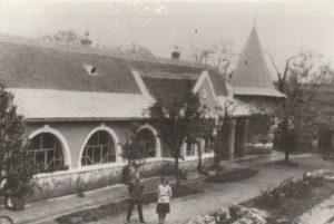 A Bóné Gyula-kúria és annak udvari része